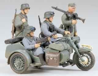 1/35  BMW R75 /Side Car